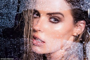 Robyn Lawley swimwear label, roby lawley model advice, how to be a model, model advice